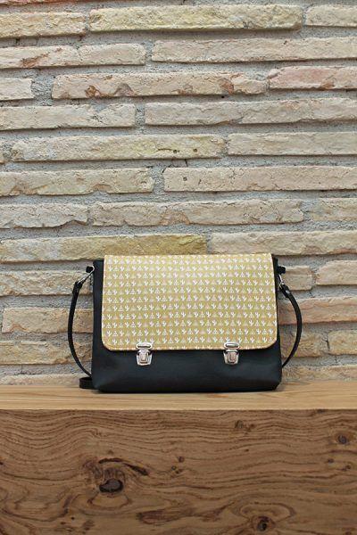Bolsos y mochilas artesanales. In-Diana